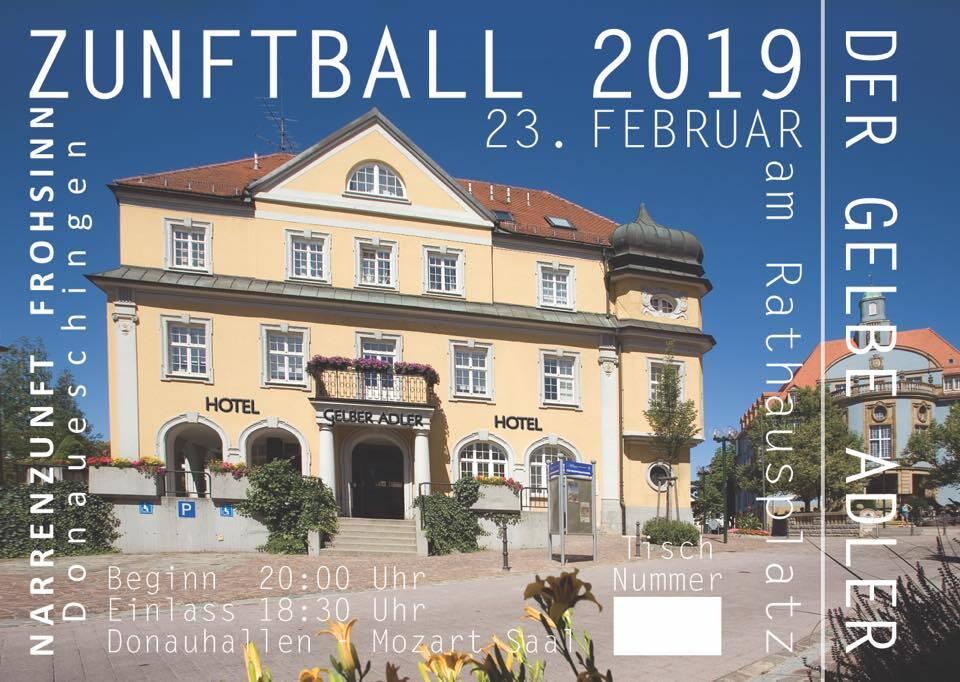 Öffentliche Zunftballprobe für den gelben Adler am Rathausplatz